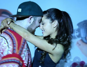 Ariana Grande & Mac Miller Spotted Kissing!